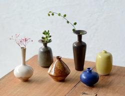 小さな陶器ベース